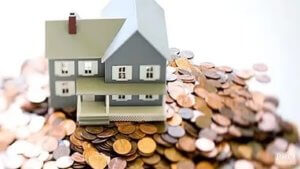 При оформлении ипотеки банк выставляет требования по отношению возраста и уровня доходов заемщика