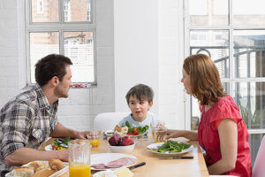 Оформить квартиру на ребенка можно, но при соблюдении определенных условий