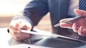 Если дарственная еще не прошла государственную регистрацию отменить ее будет значительно проще