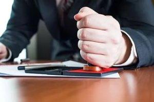 Регистрация договора обязательна, если нежилое помещение сдается в аренду на срок более 12 месяцев