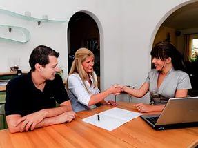 Если хотите избежать проблем - заключайте договор аренды с квартирантами, даже в том случае, если они - ваши хорошие знакомые