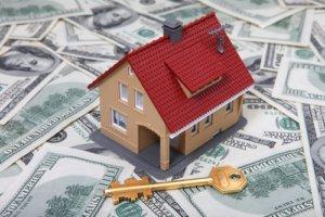 Официально трудоустроенный человек при покупке дома или квартиры имеет право на возврат НДФЛ
