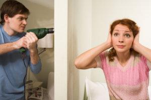 Редко кому удается избежать проблем, которые создают шумные соседи или квартиранты, проживающие в соседних квартирах
