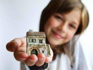 Можно ли зарегистрировать недвижимость на несовершеннолетнего