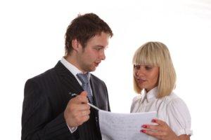 Для выписки потребуется предоставить перечень оговоренных правилами документов, сдать документы на выписку может владелец квартиры или его доверенное лицо