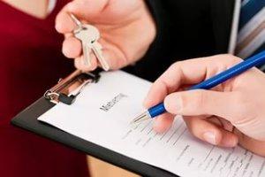 Получение особой доверенности позволит доверенному лицу самостоятельно заключать сделку аренды квартиры