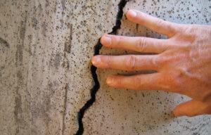 Оценка трещин в стенах панельных домов