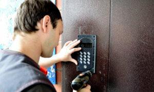 Дорогостоящее техобслуживание домофонной системы