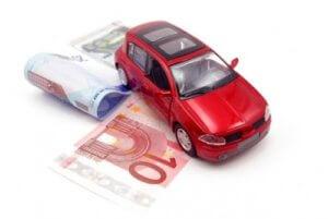 Договор на авто с правом выкупа предполагает внесение первоначальной, установленной продавцом, суммы и последующую выплату остальной суммы на протяжении определенного периода