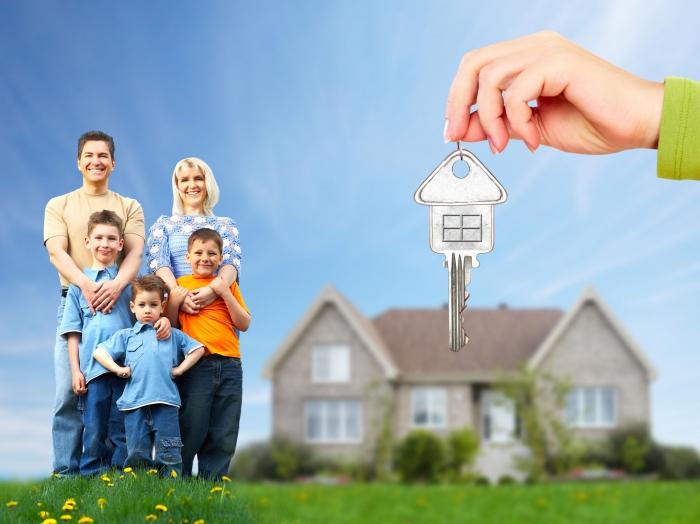 Подарить недвижимость несовершеннолетнему ребенку можно, но подпись в документе должны поставить его родители или опекуны