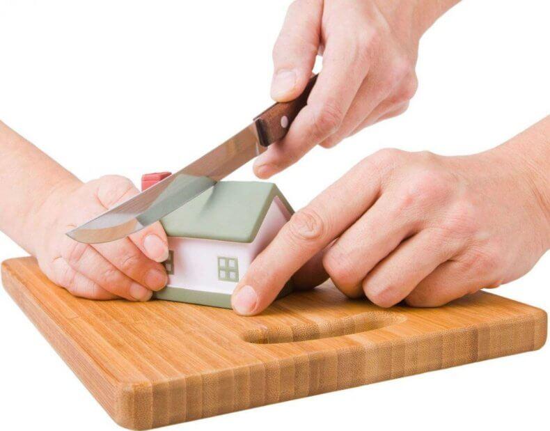 Дарение доли недвижимости оформляется точно в таком же порядке, как и дарение всей квартиры