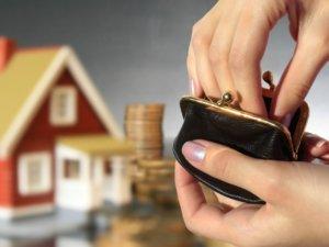 Получая в дар квартиру следует помнить, что налоги одаряемый не платит только в случае, если состоит в близком родстве с дарителем