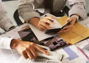 Изменить условия, указанные в дарственной или отменить ее можно только по согласию дарителя и одаряемого