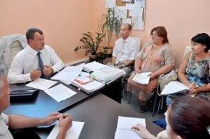 В оформлении процедуры дарения принимают участие обе стороны