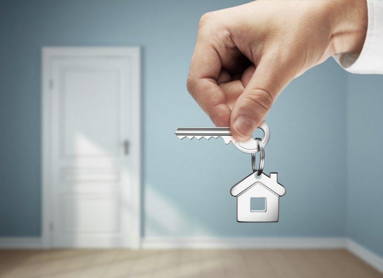 Менять неприватизированную квартиру можно только на жилье, находящееся в социальном найме, т.т. неприватизированное