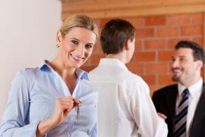 К осмотру недвижимости следует подготовиться предварительно, лучше всего записать все вопросы, которые необходимо рассмотреть