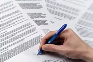 В процессе составления договора следует вдумчиво вычитать каждый его пункт