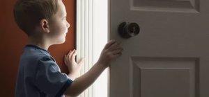 Продать квартиру, владельцем которой является несовершеннолетний ребенок могут только его родители, в случае переезда в более комфортное для ребенка жилье