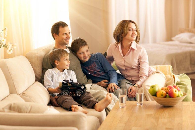 Получившая именной сертификат семья, должна выбрать банк, в котором ей будет открыт специальный счет и заняться поиском подходящей жилплощади
