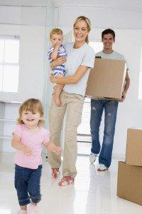 Чтобы стать на жилищную очередь молодой семье потребуется получить статус нуждающейся