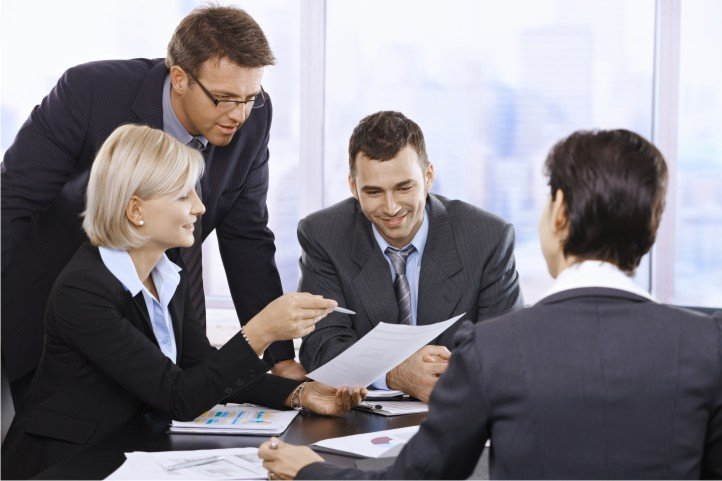 Вновь избранному председателю ТСЖ рекомендуется собрать команду людей, которые могут и желают активно работать