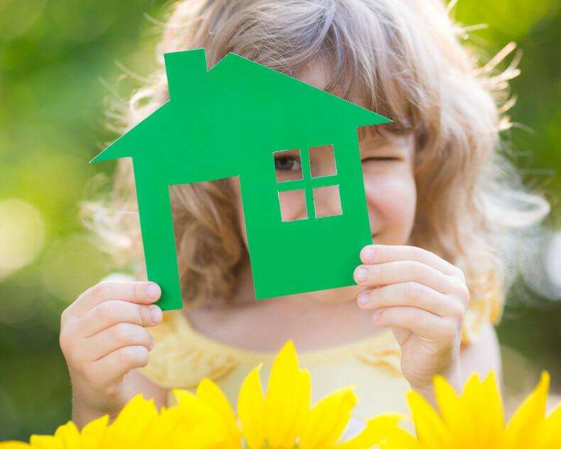 Можно ли подарить квартиру несовершеннолетнему ребенку, оформление договора дарения, регистрация, оплата налога