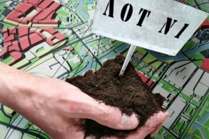 Получить в аренду земельный участок физлицо может только после проведения аукциона