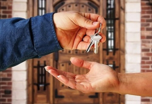 Существенным условием договора найма специализированного жилого помещения