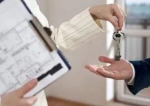 При покупке квартиры рекомендуется требовать свежевыданный техпаспот