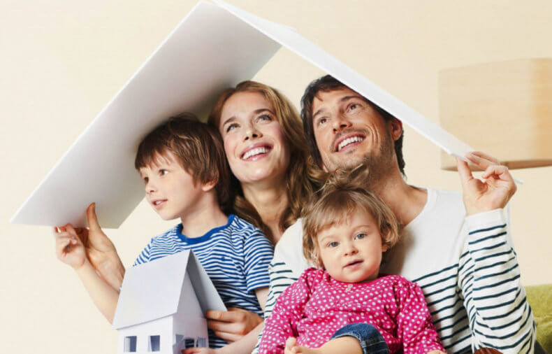 Молодые семьи получают субсидии на покупку квартиры